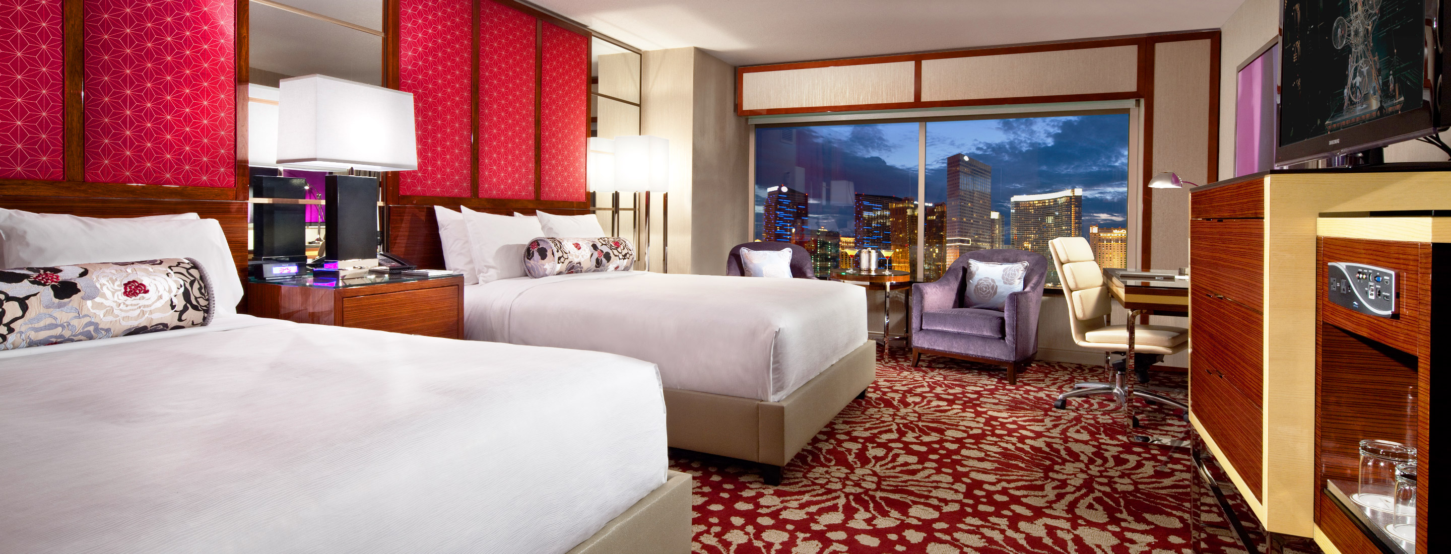 Grand queen strip view mgm grand las vegas - Mgm grand las vegas suites with 2 bedrooms ...