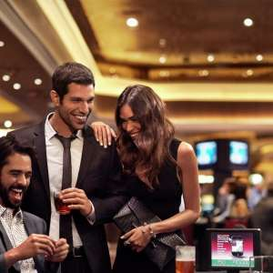 mgm-grand-casino-lifestyle-friends-playing-blackjack-new-size.jpg.image.300.300.high