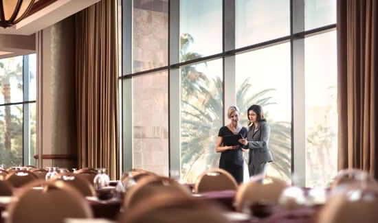 mgm-grand-hotel-lifestyle-meetings-group-stay-well-@2x.jpg.image.550.325.high
